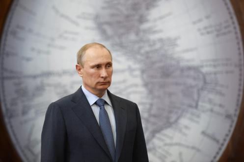 Vladimir Putin visits St. Petersburg